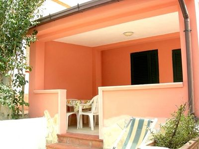Casa Vea C is a welcoming apartment situated at a short distance from the beach. It features a small private terrace, a shared patio, a shared garden, air conditioning, winter heating and WI-FI Internet access.