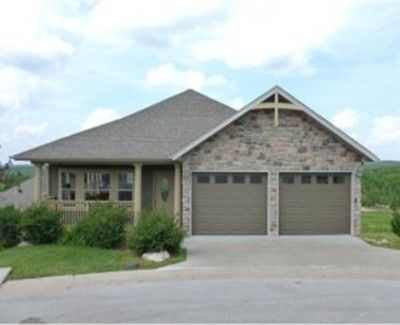 Pinnacle Place--1/2 mile from Buffalo Ridge Golf Course!!