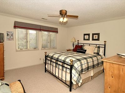 Second bedroom offers queen size bed