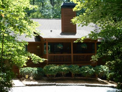 Bear Crossing---Secluded ---One Level--Dog Friendly--Mins to Downtown