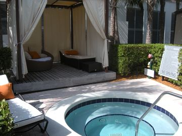 Private cabanas w jacuzzi