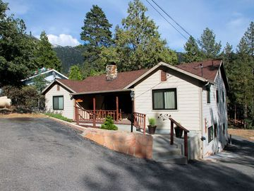 Idyllwild cabin rental - Rest Nest Easy walk to town