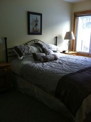 Jay Peak condo photo - Upstairs king size bed