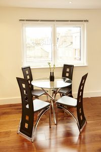 Pimlico apartment rental - Stylish Dining