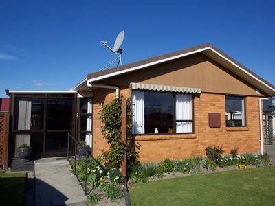 Timaru city, sunny and quiet parkside house