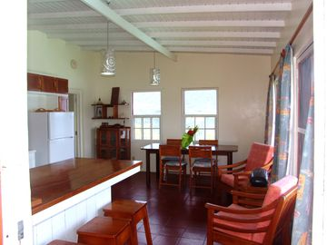 Spacious kitchen/ dining room