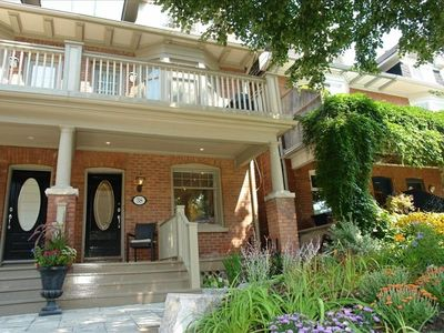 "Beautifully reno'd front; professionally landscaped w/ ""Owen Sound Limeston"