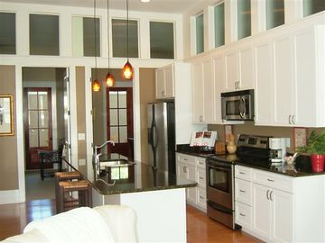 Beaufort condo rental - Open Floor Plan with wonderful kitchen island