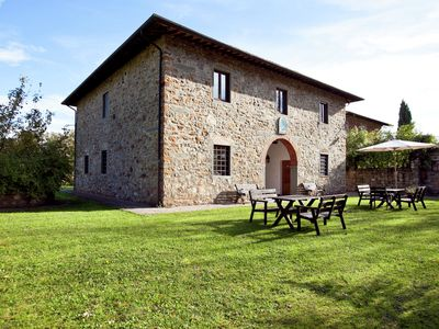 Country estate with a 16th century castle in the Chianti area