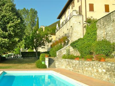 La Terrazza - classic 2 bedroom apartment near Lake Garda with pool