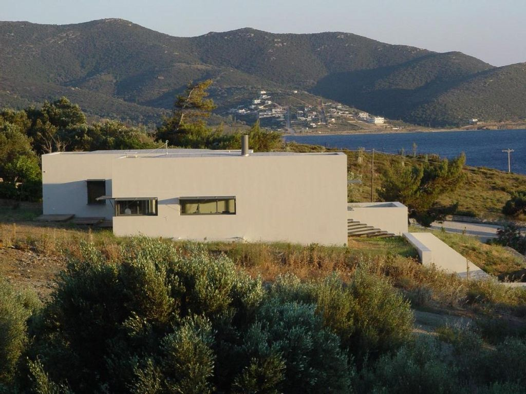 Modern house with sea view big garden homeaway karystos for Big modern house tour