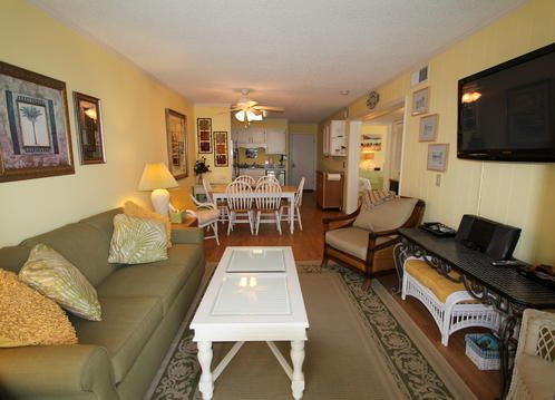 Great condo across the street from the beach in downtown Isle of Palms