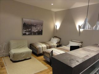 8th Arrondissement Champs Elysees apartment photo - Twin beds and convertible bed