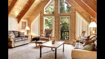 Cozy Summit Cabin 4 Min.Walk To Ski Lifts, 2 Living Rooms,  2 Fireplaces