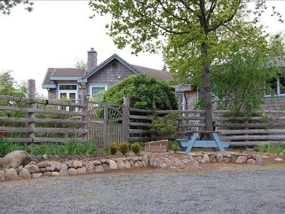 Comox cottage rental - Entrance to Mariner's Lookout on Comox Bay property