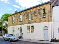 THE OLD POST OFFICE, pet friendly in Alnmouth, Ref 26012