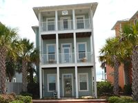 New 4 Bedroom/3 K, 1 Q, Bunks, Daybed / Private Pool / Free Cable & WiFi