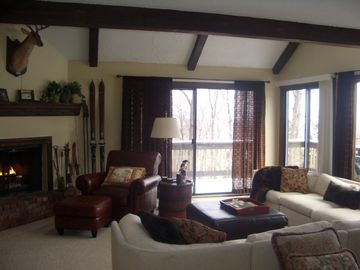 Tannersville townhome rental - Den - 2 sliding glass doors with wrap around deck