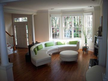 Savannah townhome rental - Lounge Area of Contemporary Townhouse in Historic Savannah