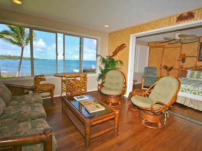 Unit #1 - Oceanfront 1 bedroom, great decor, expanded windows