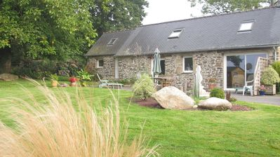 Quiet cottage near carhaix, many games.