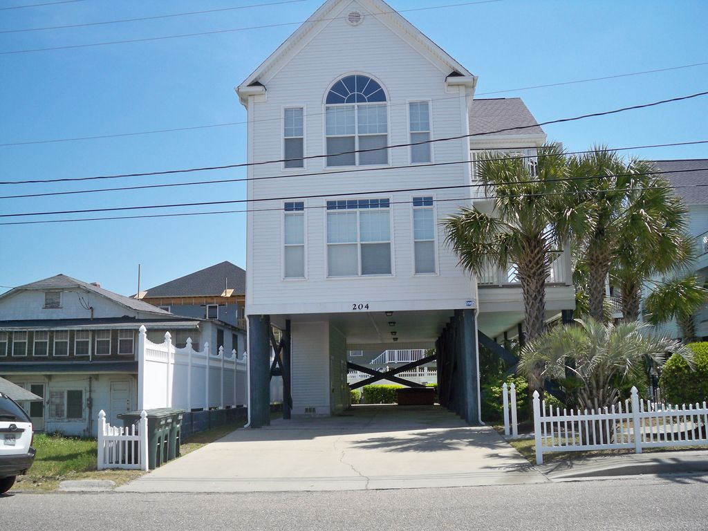 Beautiful cherry grove house vrbo for Grove house