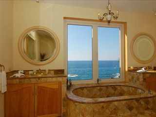 Puerto Vallarta villa photo - Enjoy a view of the ocean from the master bath