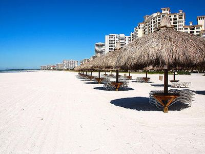 Close by Marco Island beach: Perfect white sand!