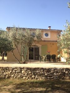 Cottage facing the Luberon with pool