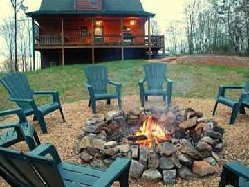 Blue Ridge cabin rental - Back yard with Fire Pit