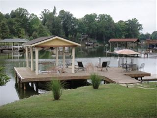 Moneta cottage photo - Large Party Dock