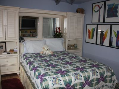 Hollywood condo rental - We supply sheets, bedding, towels, ( does your bedroom look this nice?)