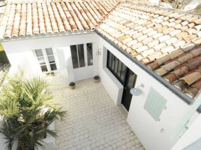 Charming house very close to the village pedestrian streets