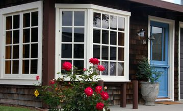 Ventura cottage rental - Cozy Nantucket style cottage with shingle siding, bay window and dutch doors.