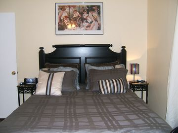 Chattanooga apartment rental - Queen bedroom has dual remote dial your own personal comfort air mattress