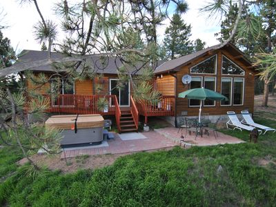 Elk Spring cabin, your private oasis on 35 acres with Pikes Peak view!