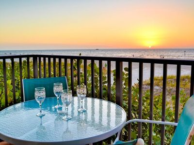 The perfect Gulf Coast vacation setting at Surfside Condos