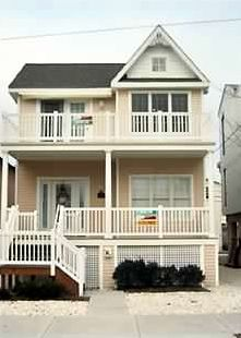 Boardwalk condo rental - 3218 Asbury Ave. - 2nd Floor with Roof Top Sun Deck - Catheral Ceilings