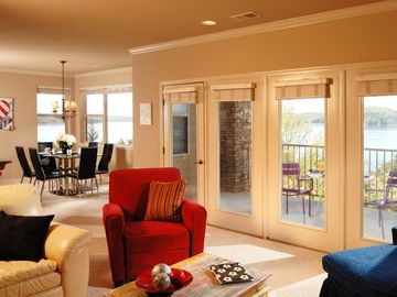 Full windows on the entire lake side, from dining room to living!