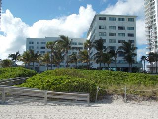 Miami Beach studio photo - Resort View from the Beach
