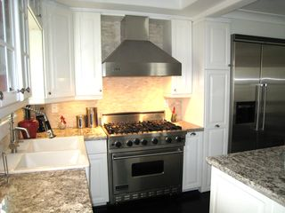 Corona del Mar house photo - Beautiful High End Kitchen