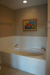 jacuzzi tub off game room suite