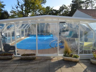 VILLA WITH POOL 9x4 heated indoor Easter has a 27 ° laToussaint