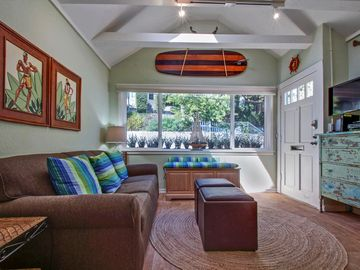 Capitola apartment rental - Living room with sofa sleeper