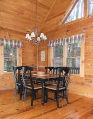 Maggie Valley cabin photo - Dining Room - Seating for 6