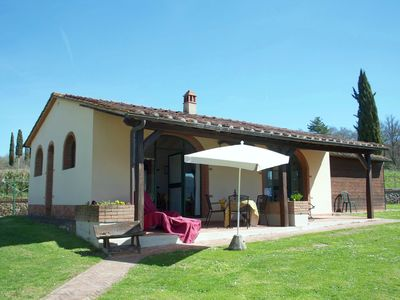 Typical Tuscan apartment in a farmhouse with swimming pool and tennis court