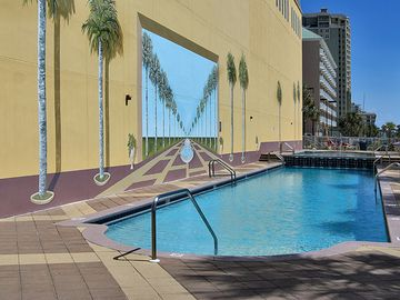 Easy access to Gulf front pool.