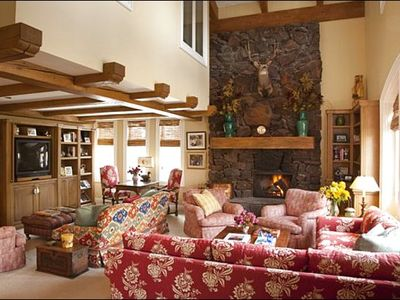 Sun Valley house rental - Vaulted Ceilings, Timber Finishes, and a Fireplace in the Living Room