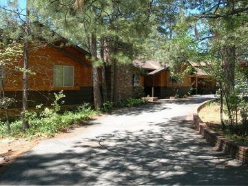 Idyllwild house rental - Large Family Home Near Town Sleeps 10+ Wheelchair Access Pool Spa BBQ Has it A