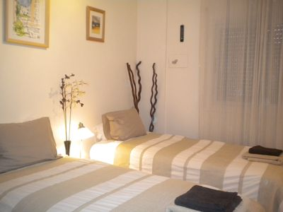 Poble Nou apartment rental - master bedroom beds can be made as 1 double or 2 singles